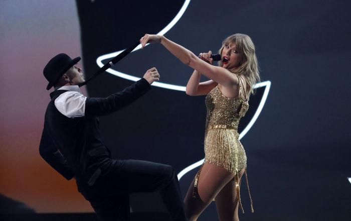 Taylor Swift: Kadınlar, kuluçka makinesinden çok daha fazlası