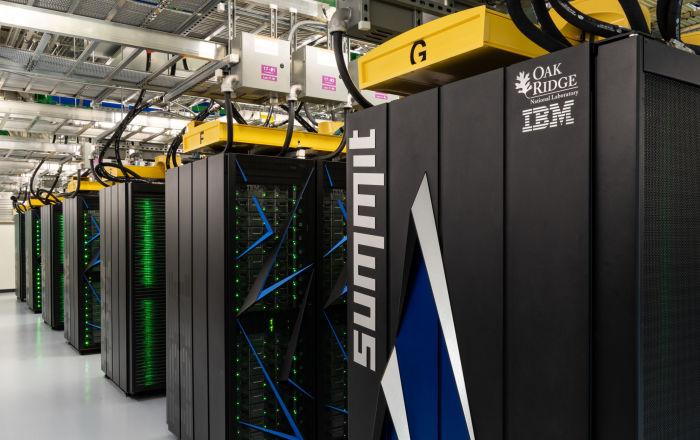 Aşıya kritik adım: En hızlı süper bilgisayar, koronavirüsü durdurabilecek 77 kimyasal saptadı