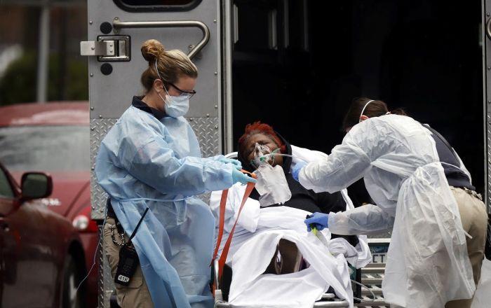 New York'ta her 17 dakikada bir hasta koronavirüsten hayatını kaybediyor