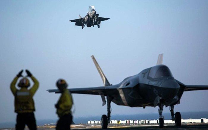 ABD'de sert iniş yapan F-35'in iniş takımı çöktü