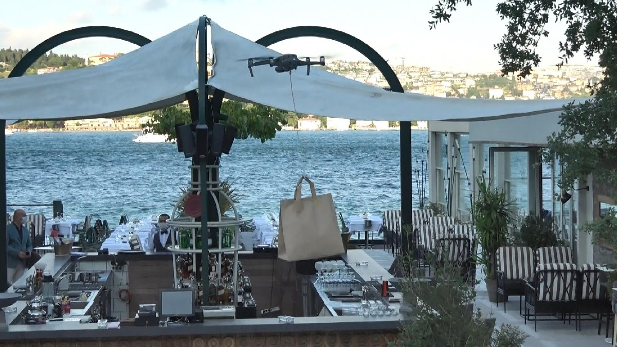 İstanbul Boğazı'nda drone ile paket servisi