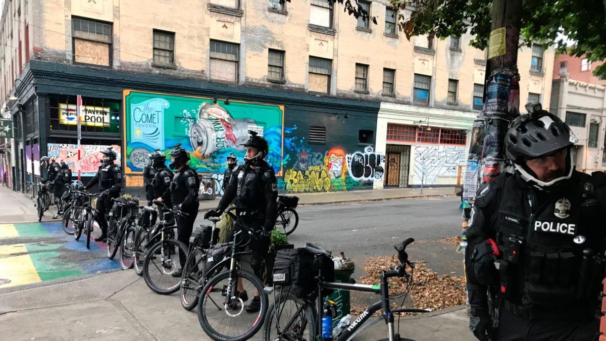 """Polis Seattle'daki """"Özerk Bölge""""yi Boşalttı"""
