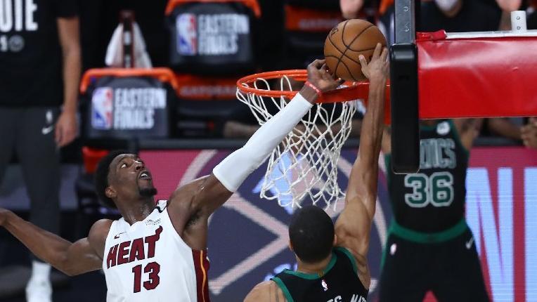 BAM! Herkes Miami Heat yıldızının bu bloğunu konuşuyor