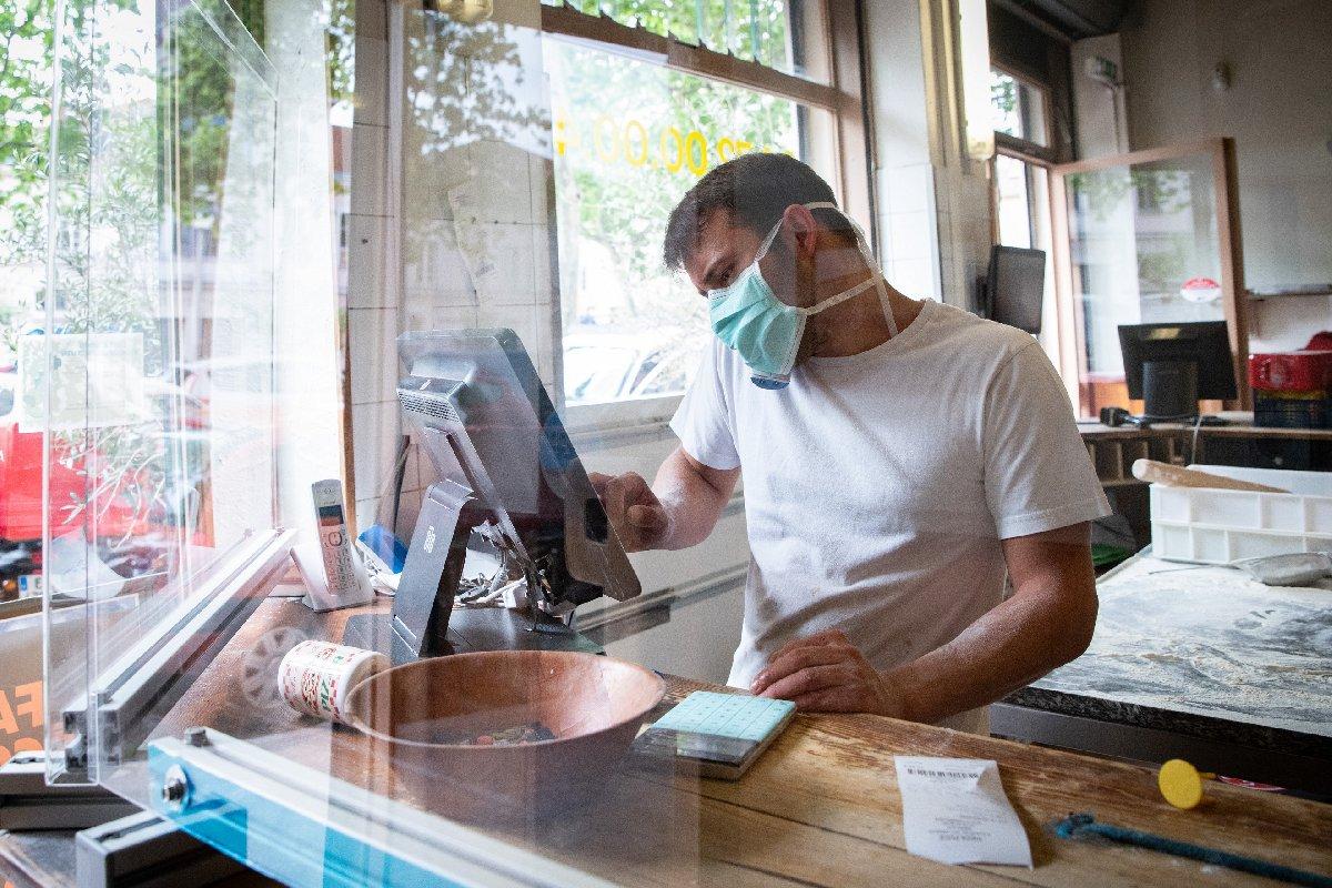 Lokanta ve restoranlar açık mı, çalışma saatleri belli mi?