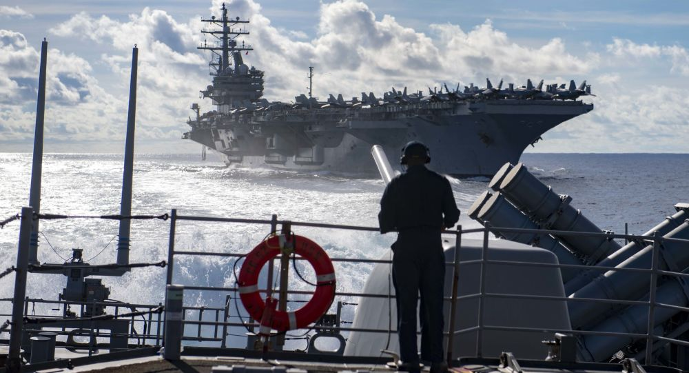 Rusya karasularına giren bir ABD savaş gemisi, sınırların dışına çıkarıldı