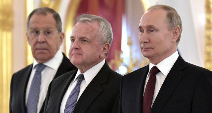 Aixos: ABD'nin Rusya Büyükelçisi, Kremlin'in tavsiyesine rağmen Washington'a dönmedi