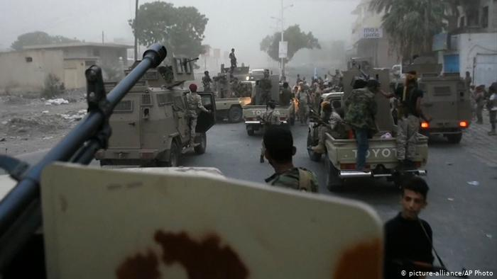 Photo of ابين الان .. تجدد المعارك بوتيرة أعنف بعد ساعات على مغادرة اللجنة السعودية (تفاصيل)