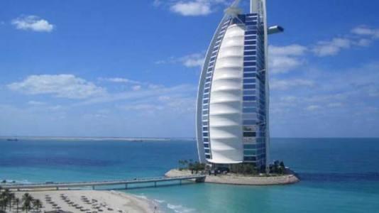 برج خليفة تحفة معمارية اماراتية بأرقام قياسية عالمية