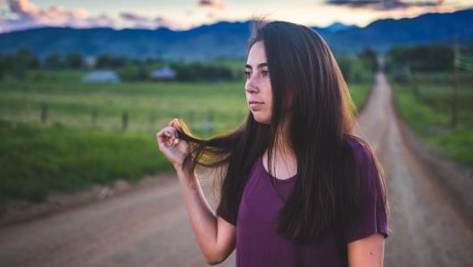 كيف تدمرين شعرك وبشرتك ؟