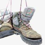 تفسير الحذاء الممزق في المنام للعزباء بالتفصيل