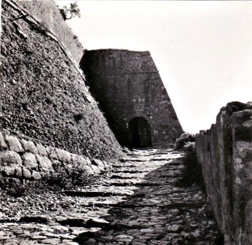 SCUTARI – Rampa di accesso al Castello