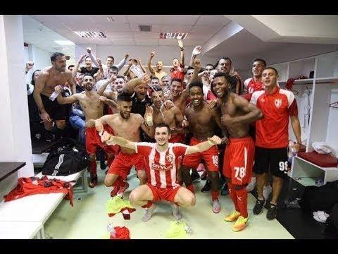 Festeggiamenti dei giocatori dello Skënderbeu Korçë