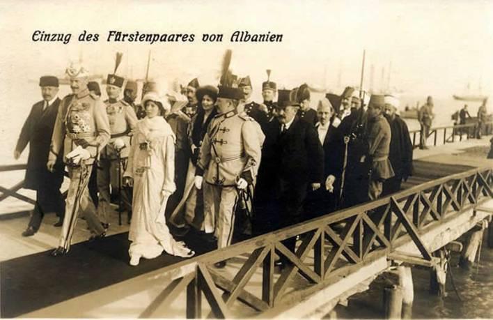 Arrivo a Durazzo del principe Guglielmo d'Albania e della moglie, la principessa Sofia, 7 marzo 1914