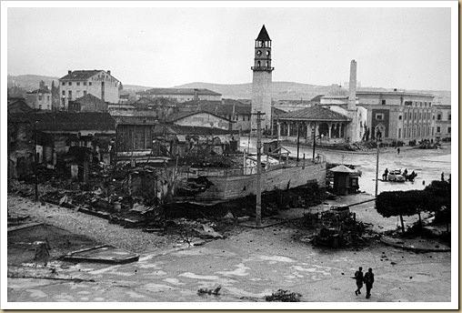 Vecchio Bazaar Liberazione di Tirana il 17 Novembre 1944
