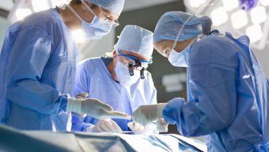Chirurghi in sala operatoria