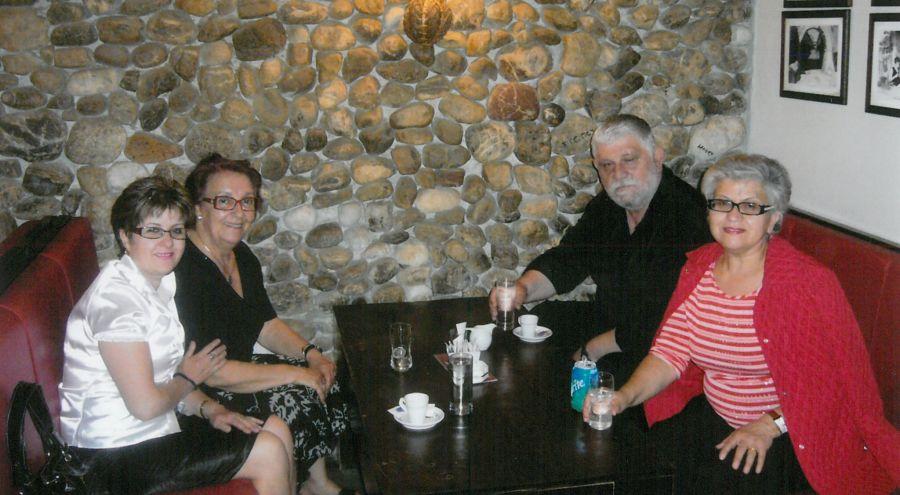 Al Bar Con Zoti Alexander e Moglie