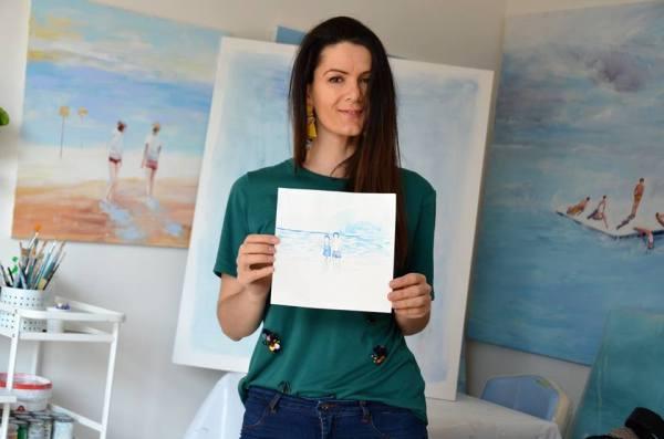 Alketa e la sua mostra, pendant dell'azzurro del mare