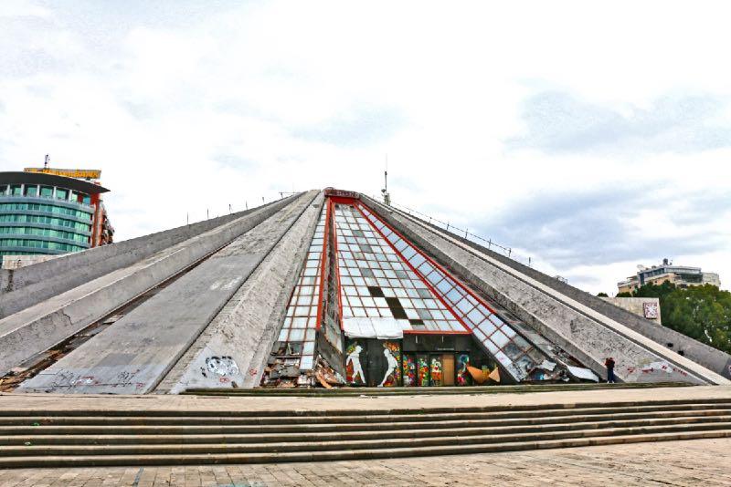 Piramide di Tirana