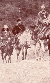 Jäckh001: Trekking through the mountains of Albania (Photo: Ernst Jäckh, ca. 1910).