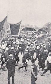 """Jäckh054: """"The Albanians hasten to pay homage to Sultan Mehmed V in the summer of 1911 on Plain of Kosovo [Kosovo Polje /Fushë Kosova]"""" (Photo: Ernst Jäckh, 1911)."""