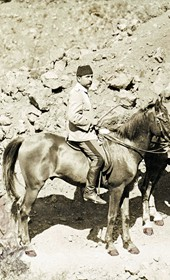 """Jäckh193: """"On horse trails though the gorges"""" (Photo: Ernst Jäckh, ca. 1910. Courtesy of Rare Books and Manuscript Library, Columbia University, New York, 130114-0025)."""