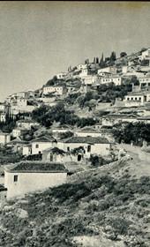 GM091: View of Vuno in Himara (Photo: Giuseppe Massani, 1940).