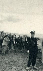 GM122: Giuseppe Massani (second from right) and his travelling companions on the road near Saranda (Photo: Giuseppe Massani, 1940).