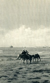 GM124: The Bay of Vlora (Photo: Giuseppe Massani, 1940).