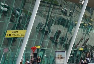 Flughafen Tirana: Terminal--Gebäude