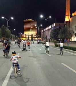 Autofreier Tag in Tirana