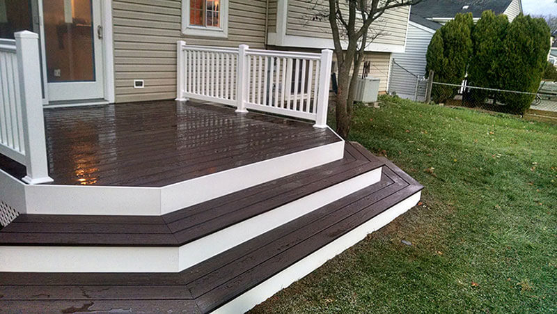Composite and Vinyl Deck 20