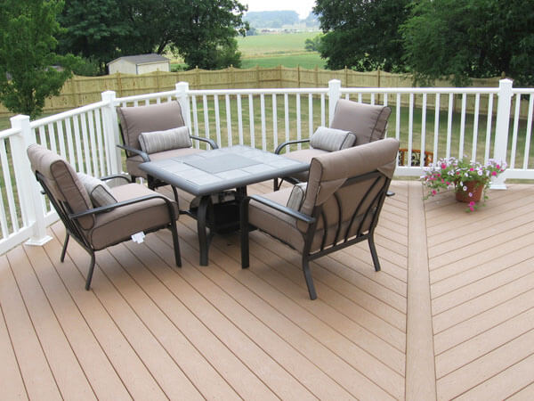 Composite and Vinyl Deck 7