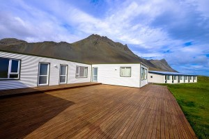 What Material Do I Use for My Low-Maintenance Decking?