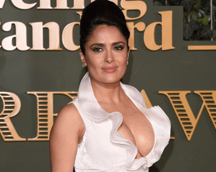 salma hayek s eye popping cleavage steals the show in london al bawaba