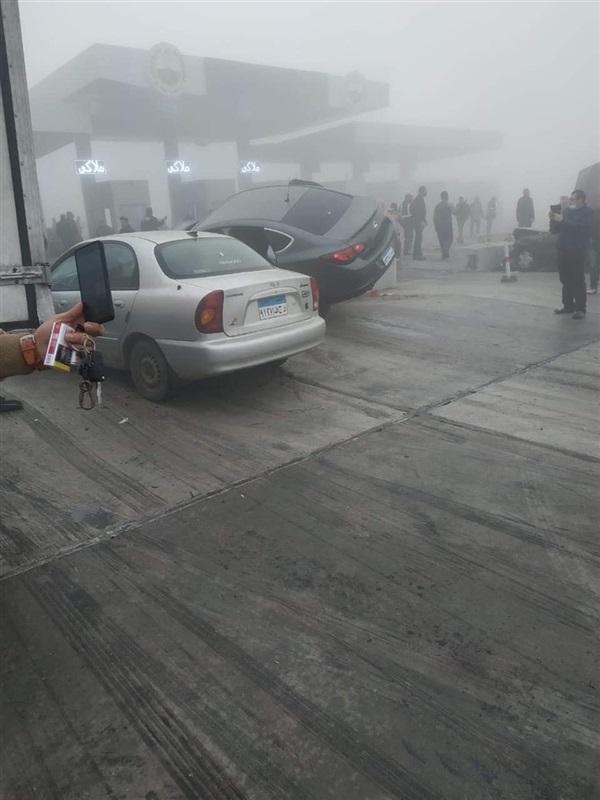 اصطدموا بالكارته.. ننشر صور حادث تصادم 12 سيارة بطريق الإسماعيلية