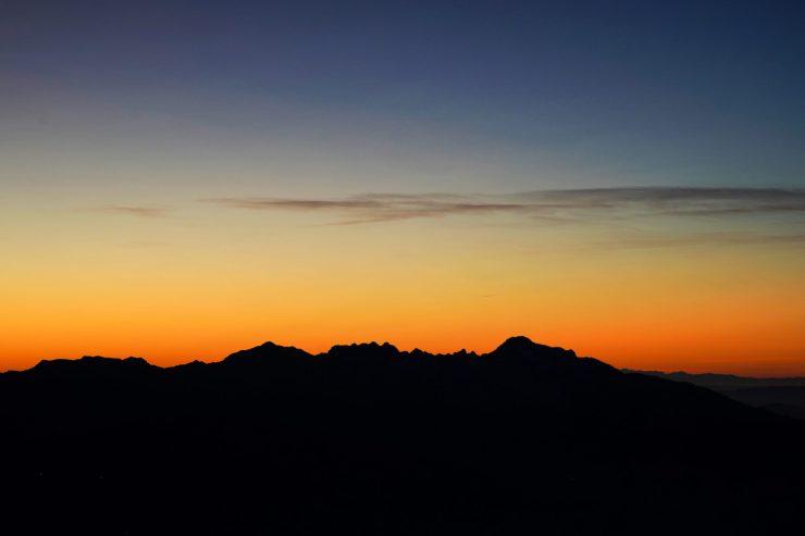 Profilo delle Alpi Apuane da Colle Bruciata