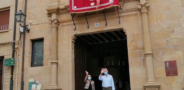 LOS REYES DE ESPAÑA EN EL ALBERGUE