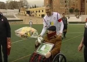 Bautista Ortega recibe una placa | Deportemanía