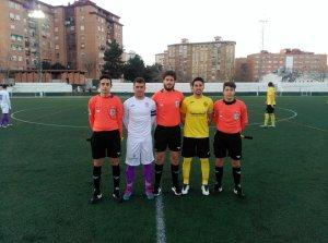 Capitanes y trío arbitral en el Sebastián Barajas | Begíjar CF