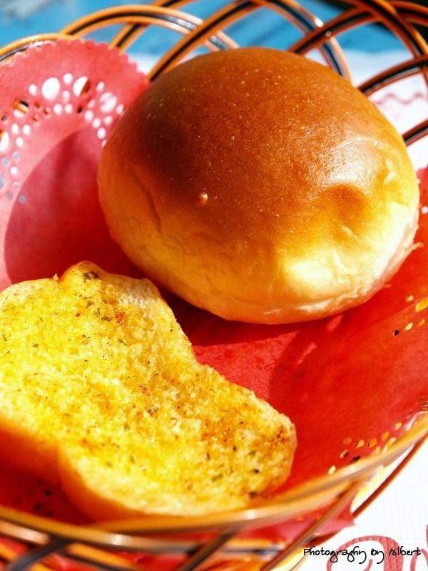慈湖觀景台餐廳:鄉村麵包