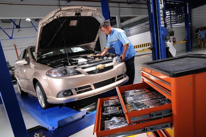 curatare atelier de reparat automobile