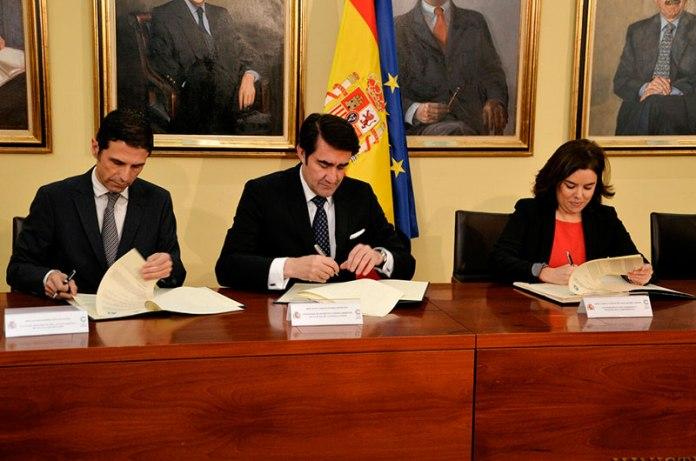 Firma del convenio de colaboración con la Comisión Nacional para la conmemoración del IV Centenario de la muerte de Cervantes