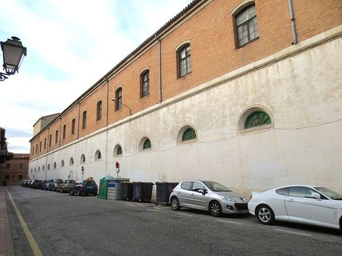 Vista de la fachada antes de la restauración