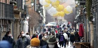 Primer día de nuevas restricciones en la calle Mayor