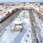 Vista panorámica de la Plaza de Cervantes nevada