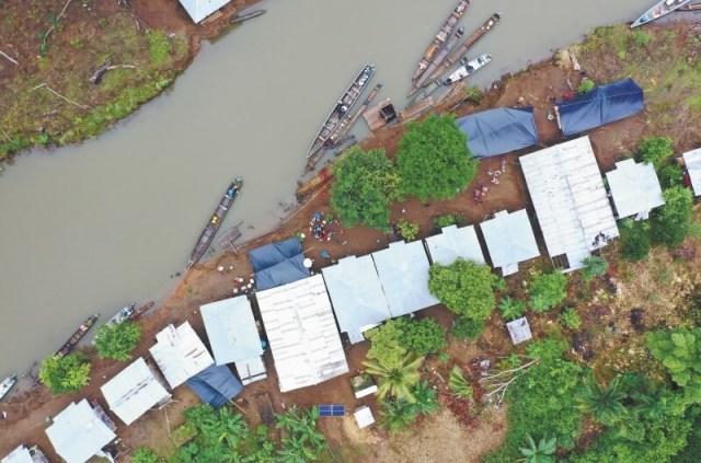Las disputas territoriales y la guerra por el control de economías ilícitas entre las Autodefensas Gaitanistas de Colombia (AGC) y el ELN, en el Bajo Atrato (Chocó), han derivado en afectaciones directas a la población. Comunidades aledañas a los ríos Truandó y Salaquí han sido desplazadas y sus líderes sociales asesinados.