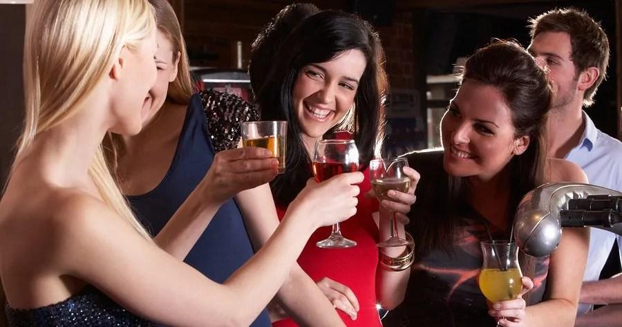 картинка подруги пьют допускать нанесения