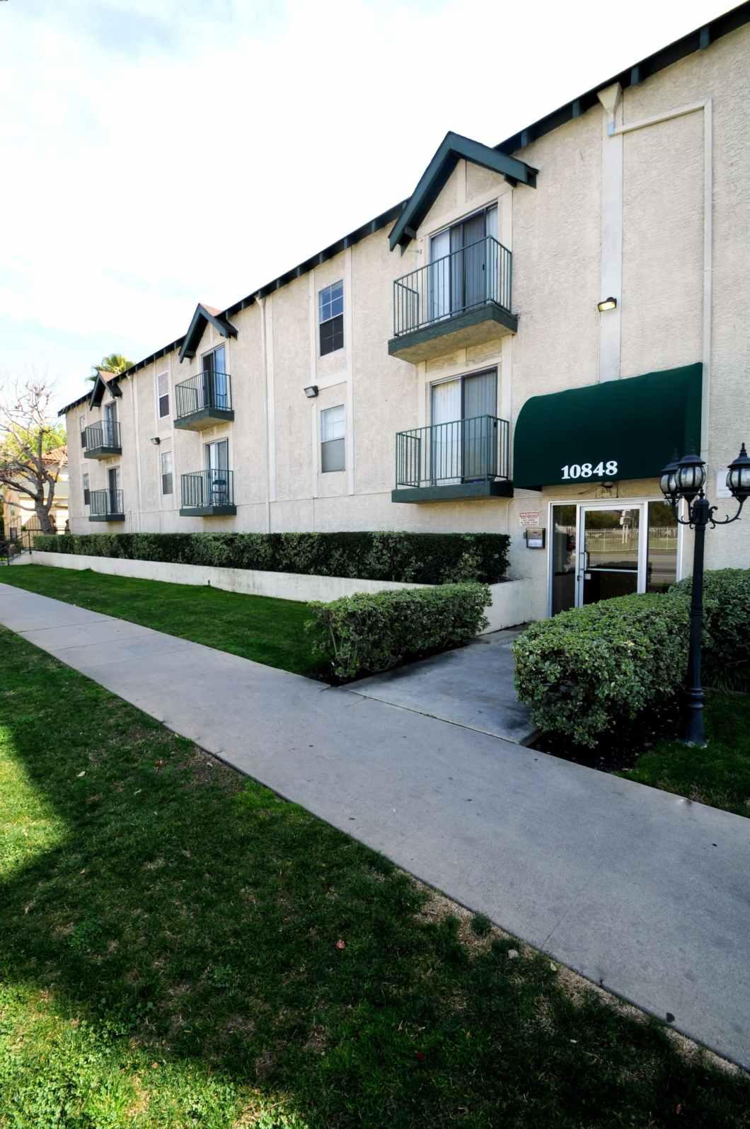 2 Bedroom 2 Bathroom Apartments In North Hollywood
