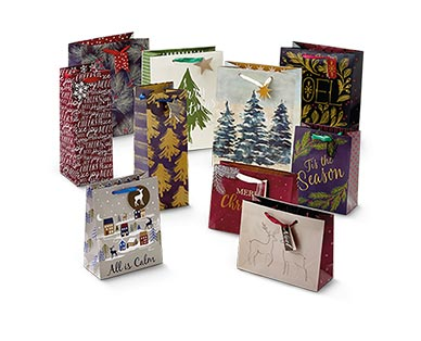 Merry Moments 10-Pack Holiday Gift Bag Set View 1