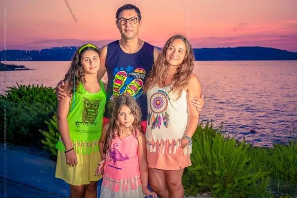 AldoPics Family Portrait at golden hour